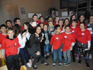 Les jeunes guides prêts à accueillir parents et enfants souhaitant visiter le collège